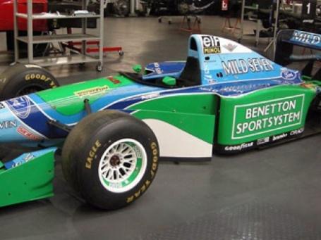 Выставленный на продажу болид Бенеттон B194-05, на котором Михаэль Шумахер участвовал в Формуле-1. Фото: ebay.com