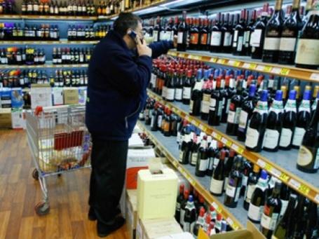 Срок ввода системы декларирования розничной продажи алкогольной продукции в Москве переносится на 1 января 2011 года. Фото: РИА Новости