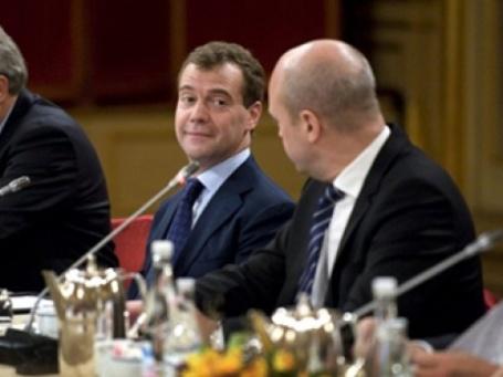 Дмитрию Медведеву на саммите в Стокгольме не удалось узнать имя будущего президента Европы. Фото: AFP