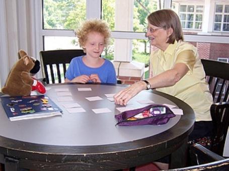 В это Рождество постоянная прислуга вместо бонусов может получить самодельные сувениры. Фото: Newton Free Library/flickr.com