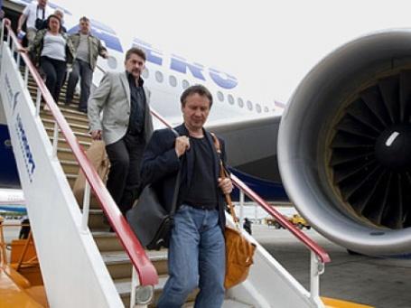«Трансаэро» пытается освободить свои самолеты от пьяных пассажиров. Фото: РИА Новости