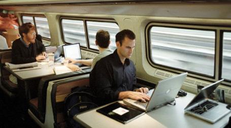 На столичных вокзалах заработал бесплатный wi-fi. Фото: РИА Новости