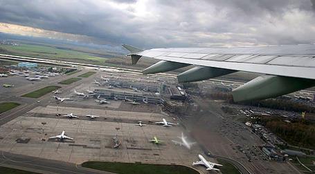 Этот год стал несчастливым для авиации: по всему миру в результате крушений самолетов погибло более 700 человек. Фото: russos.livejournal.com