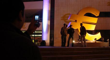 Экономическая ситуация в Ирландии и Греции «неприемлема» для стран еврозоны и уже в 2010 году эти государства могут выйти из зоны обращения евро. Фото: AFP