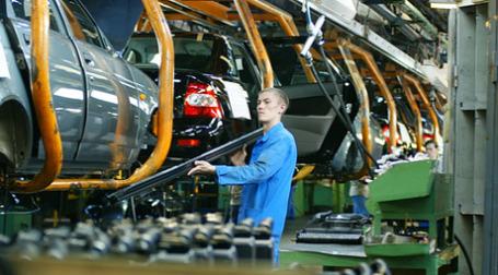 «АвтоВАЗ» снижает план производства и тратит деньги Сбербанка. Фото: РИА Новости