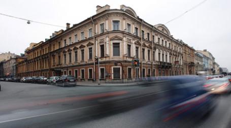Дворец Кушелева-Безбородко в Санкт-Петербурге сегодня был продан практически по минимальной цене — за 740 млн рублей. Фото: РИА Новости