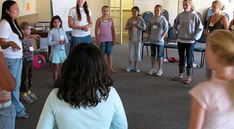 Обучение детей в лагере Camp Millionaire. Фото: creativewealthintl.org