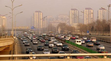 Количество автомобилей в Пекине вот-вот перевалит за 4 млн. Фото: benjamin73fr/flickr.com