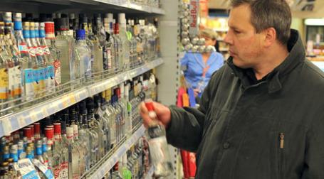 Минздравсоцразвития предложило продавать алкоголь с инструкцией по употреблению. Фото: Митя Алешковский/BFM.ru