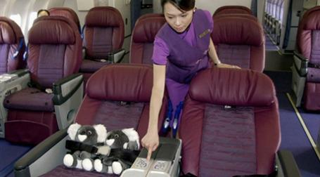 Авиакомпании из стран АТР борются за пассажиров повышением уровня сервиса. Фото: AFP