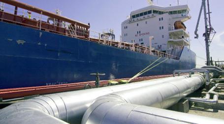 В.В. Путин запустил в эксплуатацию нефтепровод Восточная Сибирь - Тихий Океан и дал старт началу отгрузки первого танкера с нефтью. Фото: РИА Новости