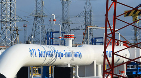 Вчера В. Путин запустил стратегический ВСТО и заявил, что сомневается в выгоде развития нефтепереработки, утверждая, что строить нефтепроводы сейчас дешевле. Фото: РИА Новости