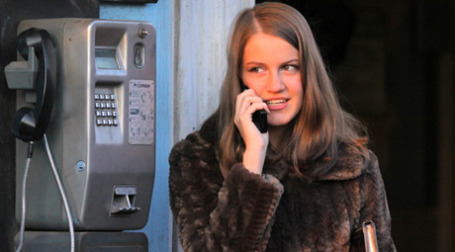 На новогодних праздниках интенсивность общения по мобильной связи значительно возрастает. Фото: PhotoXPress
