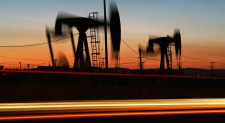 Цены на нефть в 2009 году стремительно росли. Фото: AFP