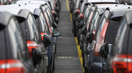 В 2010 году автопродажи в Европе снизятся на миллион машин. Фото: AFP
