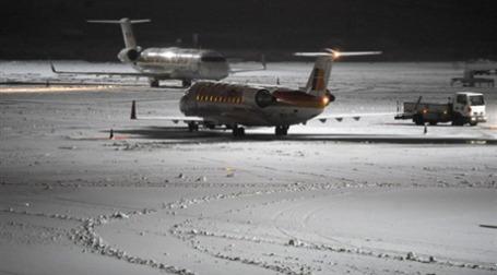 Непогода задержала самолеты в том числе в эропорту  Барахас в Мадриде. Фото: AFP