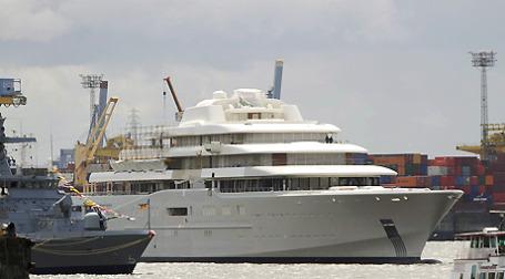 Роман Абрамович купил 35 произведений искусства для своей шикарной яхты Эклипс. Фото: ИТАР-ТАСС