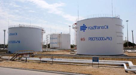 Казахстан поставляет свою нефть по мировым ценам, и достаточный рынок сбыта у него есть, поэтому никаких причин для поставки нефти ниже мировой цены Белорусии, у них нет. Фото: РИА Новости