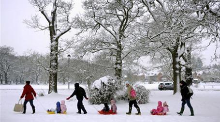 Из-за морозов и снегопадов в Великобритании через 9 месяцев прогнозируют заметный рост рождаемости. Фото: AFP