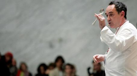 Ферран Дариа заявил об уходе из бизнеса на гастрономической конференции Madrid Fusion. Фото: AFP