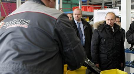 Церемония подписания документов о создании СП Fiat и Sollers состоялась в присутствии главы правительства Владимира Путина, который прибыл в Набережные Челны. Фото: РИА Новости