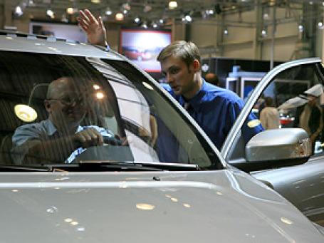 Февраль оказался для российских автодилеров менее провальным месяцем, чем январь. Фото: BFM.ru