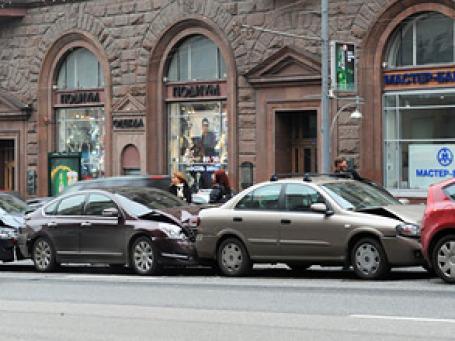 Половина убытков по ОСАГО к июлю 2011 года будет возмещаться напрямую,  прогнозируют в РСА. Фото: РИА Новости