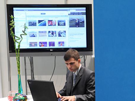 Объем телевизионной рекламы, размещенной российскими банками в первые два месяца текущего года, почти в два раза превысил аналогичные показатели прошлого года. Фото: РИА Новости