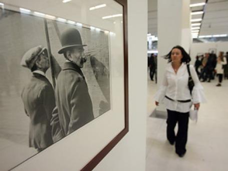 Одна из фоторабот Анри Картье-Брессона, представленная на открывшейся в Манеже выставке. Фото: Григорий Собченко/BFM.ru