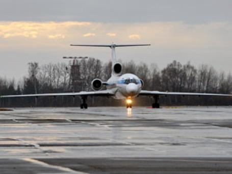 Губернатор Артяков на выходные летал в Москву, заказывая чартерные рейсы. Фото: Митя Алешковский