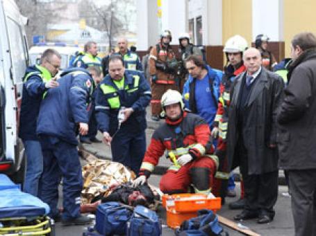 Эвакуация пострадавших от взрывов. Фото: РИА Новости