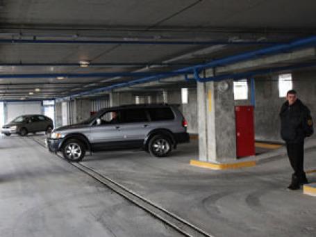 Программа «Народный гараж» сократится вдвое из-за отсутствия спроса на машиноместа. Фото: РИА Новости