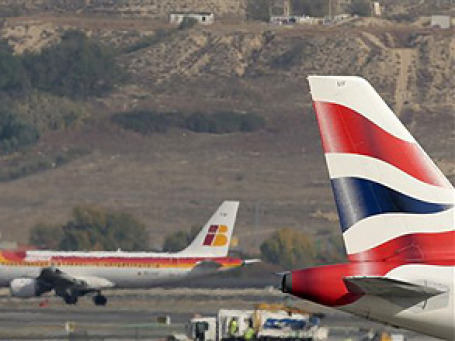 Британская авиакомпания British Airways и испанская Iberia подписали договор об объединении. Фото: AP