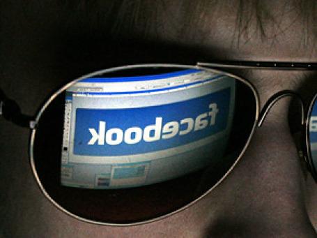 Компании с мировым именем массово обратились к социальным сетям в поисках любви потребителей. Фото: escapedtowisconsin/flickr.com