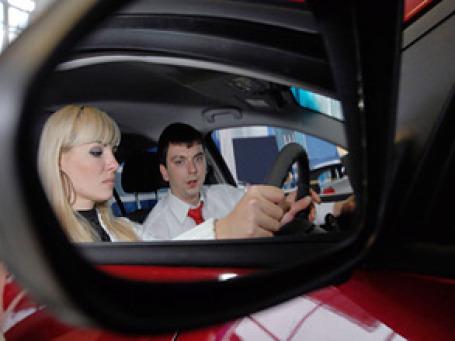 Лидер среди крупных и средних городов России по количеству легковых автомобилей на душу населения - подмосковный город Одинцово. Фото: РИА Новости