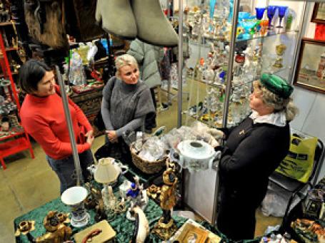 Среди наиболее востребованных на вторичном рынке групп товаров – товары культуры, автомобили, одежда и игрушки. Фото: Митя Алешковский/ BFM.ru