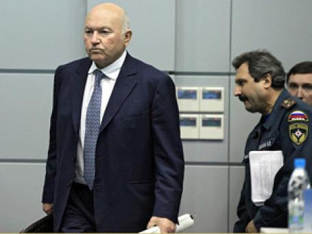 Мэр Юрий Лужков хочет обезопасить москвичей и гостей столицы. Фото: РИА Новости
