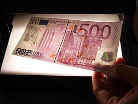 Больше всего подозрительных банкнот на границе Швейцарии и Сан-Марино, где законы, противодействующие отмыванию денег, мягче. Фото: AP