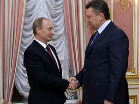 В канун ратификации договора Владимир Путин побывал в Киеве и предложил Виктору Януковичу объединить ядерные системы двух стран. Фото: РИА Новости