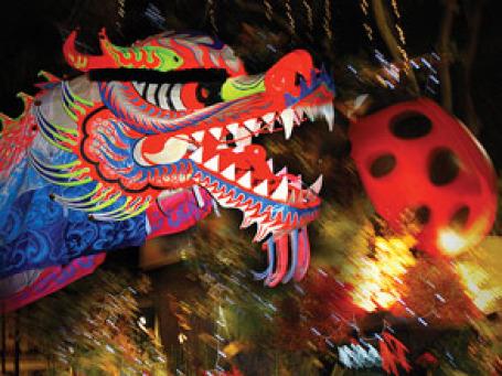 Сегодня и в перспективе решающую роль для претендентов на статус азиатского делового центра будет играть открытость и интернациональность. Фото: williamcho/flickr.com