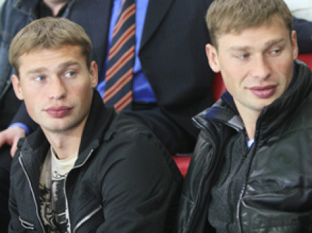 Футболисты Василий и Алексей Березуцкие не защитили свою честь в суде. Фото: ИТАР-ТАСС