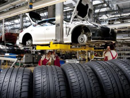 Мировое производство автомобилей выросло более чем на 50% за первый квартал 2010 года. Фото: AP