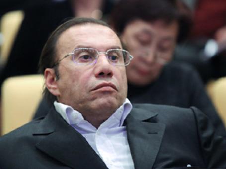 Виктор Батурин утверждает, что не испытывает «недостатка ни в средствах, ни в чем-то другом». Фото: РИА  Новости