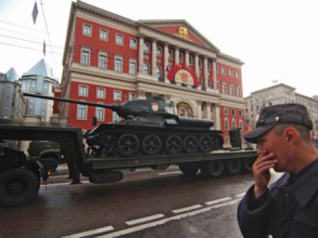Тверская улица столицы готовится к параду. Фото: РИА  Новости