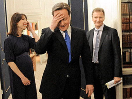 В свои 43 года Дэвид Кэмерон на полгода моложе лейбориста Тони Блэра в момент прихода того на Downing Street, 10. Фото: АР