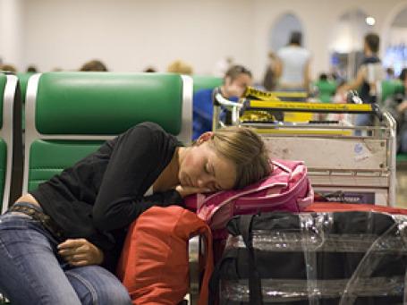 Пассажиры не смогли вылететь чартерным рейсом SkyExpress из Москвы на отдых на Кипр. Фото: РИА Новости