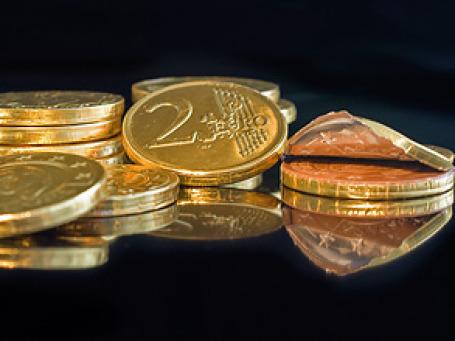 Ослабление евро в последнее время является знаком того, что не только хедж-фонды, но и долгосрочные инвесторы и компании, уходят с рынка. Фото: Anvica/flickr.com