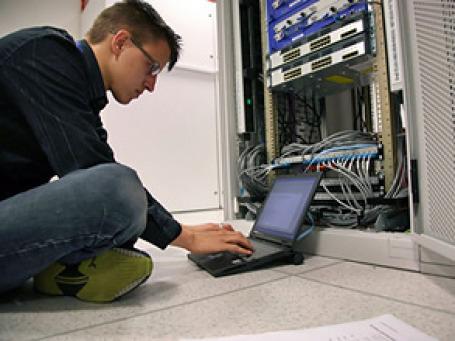 Провайдеры намерены самостоятельно проверять размещенную на их серверах информацию. Фото: PhotoXPress