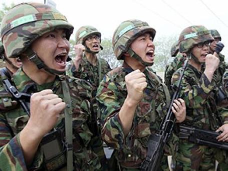Солдаты южно-корейской армии на границе с Северной Кореей. Фото: АР