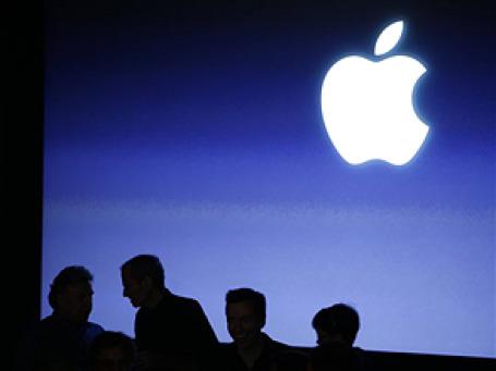 К закрытию торгов в среду капитализация Apple составила 221,36 млрд долларов, у Microsoft — 219,35 млрд долларов. Фото: АР